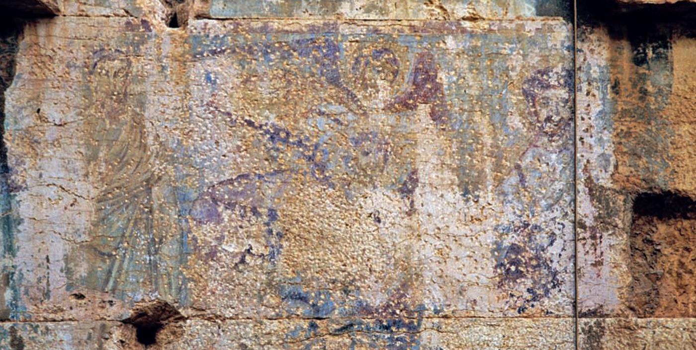 Fig. 4 : Vestiges de la grande scène figurative chrétienne sur le mur intérieur ouest du temple de Bel (photo A. Schmidt-Colinet, in JASTRZEBOWSKA 2013, fig. 7).