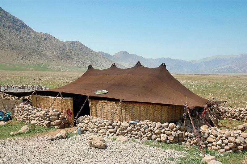 Tente d'eleveurs semi-nomades dans la plaine de Peshdar. Kurdistan irakien, avril 2013