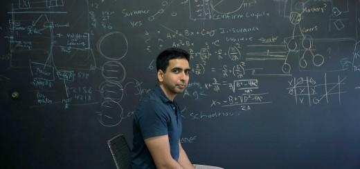 MOUNTAIN VIEW, CALIFORNIE, USA -02 JUILLET 2013: Salman Khan, créateur de la Khan Academy, pause dans son bureau. Khan, né en Louisianne de parents du Bangladesh et d'inde, diplomé de MIT et Harvard, a dévellopé une vidéo/cours de math en ligne en 2004 pour aider un cousin. En 2006, il quitte son travaille d'analyste dans un hedge fund et crée la Khan Academy, à but non-lucratif, qui aujourd'hui propose plus de 4000 vidéos/lecons sur Youtube (plus de 268 millions de views) afin d'aider l'éducations des enfants défavorisés dans le monde (photo Gilles Mingasson pour le Nouvel Observateur).