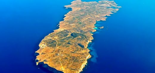 Aerial view of Lampedusa. Photo: Luca Siragusa under CC BY 2.0. Source: Wikipedia.