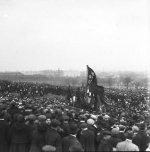 manifestation au Pré-Saint-Gervais, 16 mars 1913.Source : gallica.bnf.fr