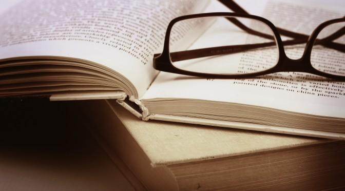 Des livres et des lunettes