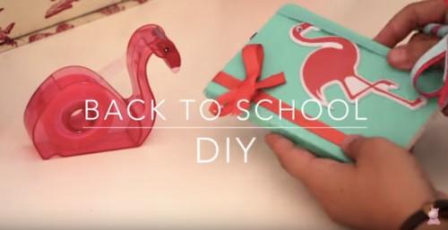 Écran-titre de la vidéo Back to School d'Hippos&Smiles. Capture d'écran.