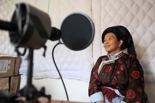 Un des derniers connaisseurs de la langue na de Yongning: Mme Latami Dashilame