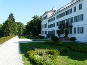 Rumpenheim, Lustschloss Friedrichsanlage, Mainfront. Foto:Verfasser
