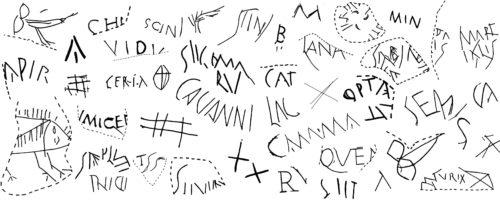 Fig 1. Sélection de graffites sur vaisselle céramique trouvés à Chartres, Autun et Sens (Dessins : M. ANDRIEU)