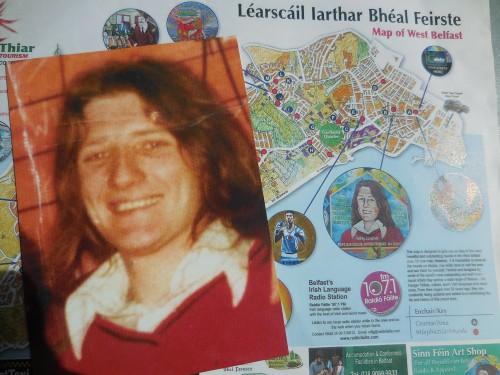 Carte postale de Bobby Sands et Plan de Belfast et de ses murals, Chantal Vetter, 5.5.2016, Genève