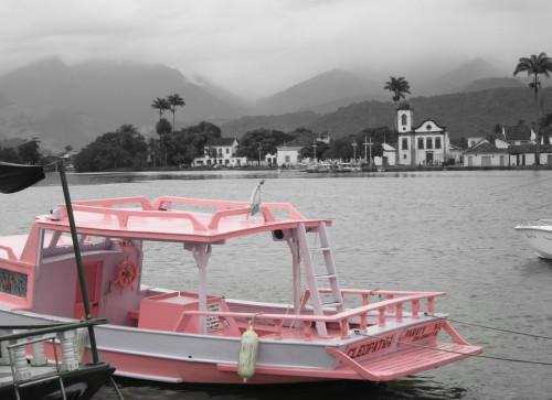 RJ Paraty bateau rose