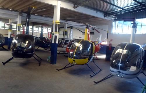 Helicos au hangar