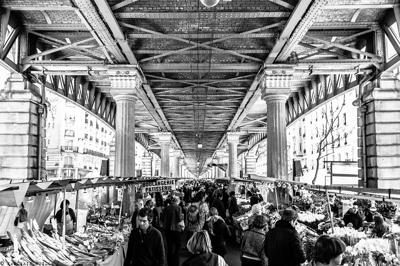 Marché_de_Grenelle,_Paris_April_2013