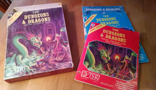 Dungeons & Dragons Basix Set (1981). Couverture d'illustration par Errol Otus. Crédit photo : Brant Guillory, 2017.