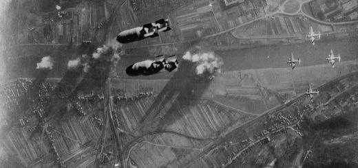Angriff amerikanischer Bomber auf Trier, Public Domain