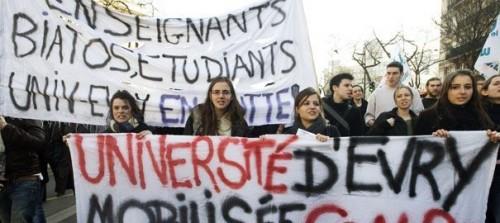 Les conditions de travail dans les universités pourraient amener à de nouvelles mobilisationsCrédits : Gonzalo Fuentes /REUTERS