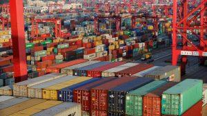 conteneurs-dans-le-port-de-shangai%cc%88