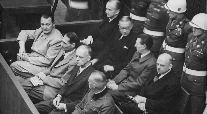 Images de la justice : Nazis et collaborateurs en procès dans l'Europe libérée