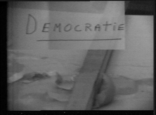Fig. 2 : capture d'écran d'une vidéo de Francis Schwartz intitulée Mon oeuf, conservée au sein du fond de la BnF.