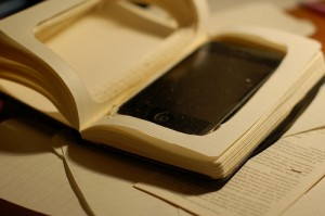 Moleskine mod. Turning a Moleskine notebook into an iPhone case