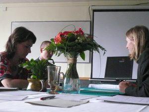 Bitte Ruhe – Abiturprüfung! / Quelle: https://commons.wikimedia.org/wiki/File:Matura_%28oral_part%29_-_during_exam_11.jpg