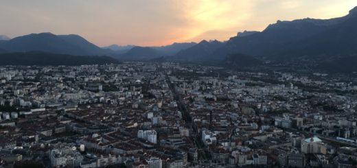 Sonnenuntergang in Grenoble (Foto: Linda Baust)