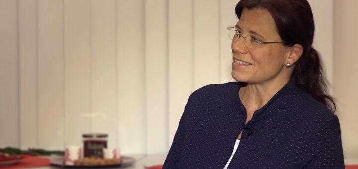 Frau Dr. Carola Mantel im Studiotalk mit der HSE
