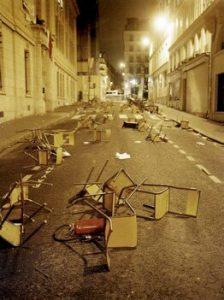 https://commons.wikimedia.org/wiki/File:La_rue_de_la_Sorbonne_le_11_mars_2006.jpg?uselang=fr
