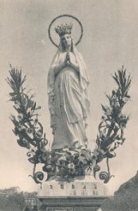 Vierge couronnée