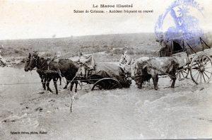 Scènes de colonne, accident fréquent en convoi - Maroc 1914, carte postale