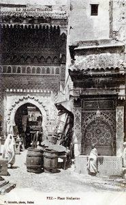 Fez - place Nedjarine - Maroc 1915