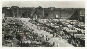 Meknès, Maroc. Bab en Nouar, place El Hédim