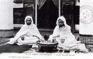 CP Arabes dans leur intérieur Maroc 1915