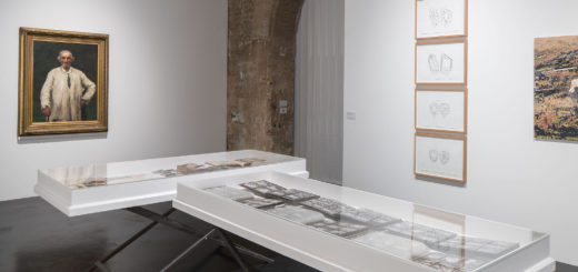 Gallery 9 – (Vitrines) A. J. Aalders; (Left, Wall) Alfred Roll; (Right) Ângela Ferreira, Grand Parc - Paul Doumer, Bordeaux, Aquitaine, France, July 5, 2017 | © Courtesy of latitudes-flickr.