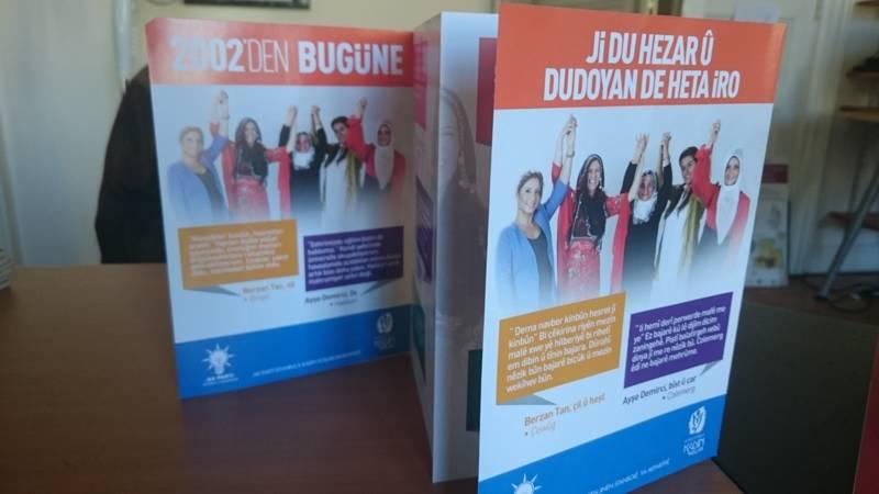 Brochure bilingue turc/kurde donnant la parole aux femmes à travers le pays qui vantent les réalisations de l'AKP depuis son accession au pouvoir en 2002