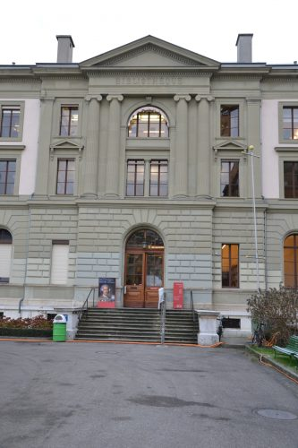 Bibliothèque de Genève (entrée)