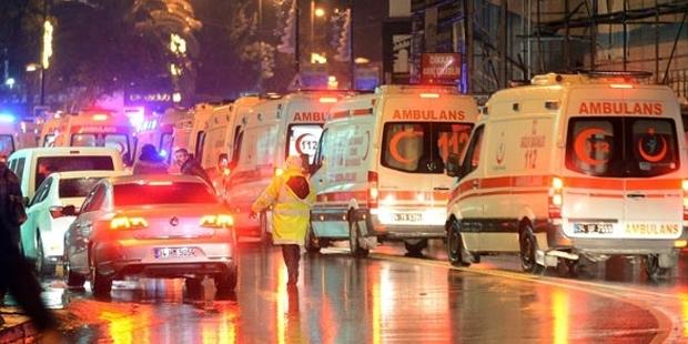 Rettungskräfte am Ort des Attentats.