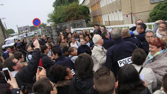 Le 2 juin à Saint Malo, une violence policière inacceptable  Aggiornamento h...