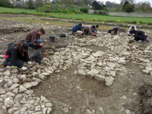 Bâtiment 1 en cours de fouille (cl. C. Allinne, Craham).