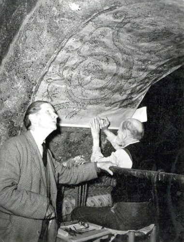 Nicholas Kluge (right) and Thomas Whittemore (left) at Hagia Sophia, Istanbul, 1944. Fonds Thomas Whittemore - Institut byzantin, Subgroup 01-Series 08, Bibliothèque byzantine, Collège de France.