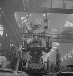 locomotive-742006_640_pixabay_cc0