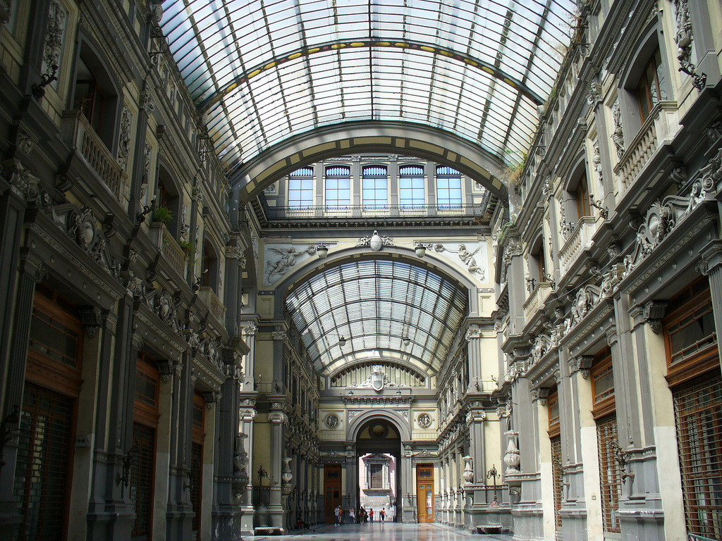 Galerie Umberto I, Naples, Campania, Italy, August 16, 2006 | © Courtesy of loloieg/Flickr.