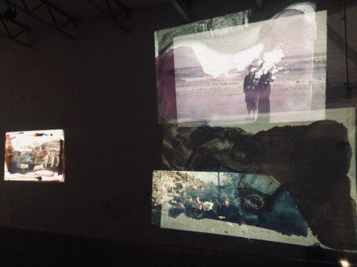 Sich überlagernde Projektionen von Menschen und Landschaften