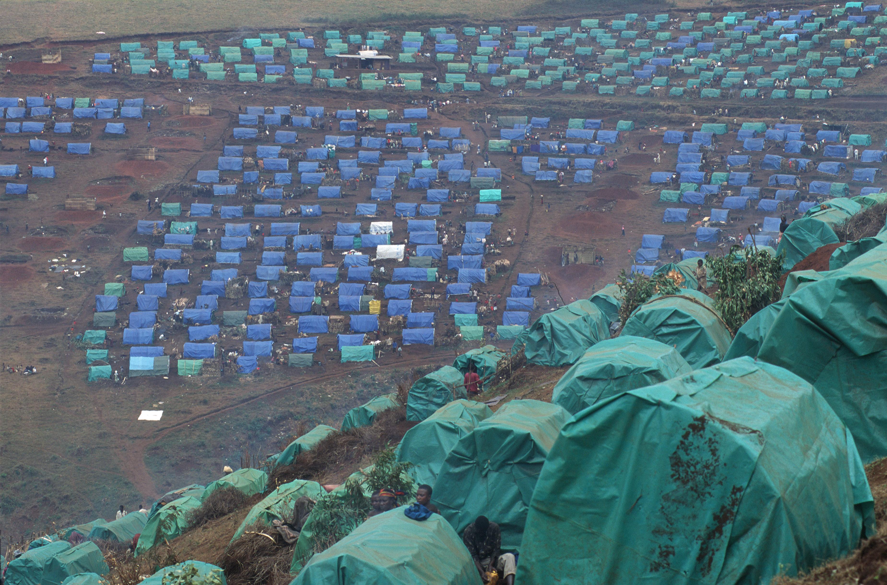Nyarushishi. Camp de personnes déplacées sous la protection du CICR.
