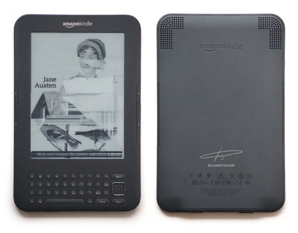 Kindle Glitched (2013-2019). The Aesthetics of Planned Pbsolescence. Readymades glitch art © Recyclism, aka Benjamin Gaulon