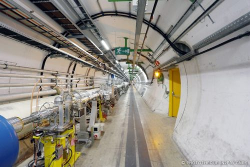 Vue du tunnel du LHC, anneau de 27km sous la frontière franco-suisse. (Nicolas BUSSER / Photothèque IN2P3)