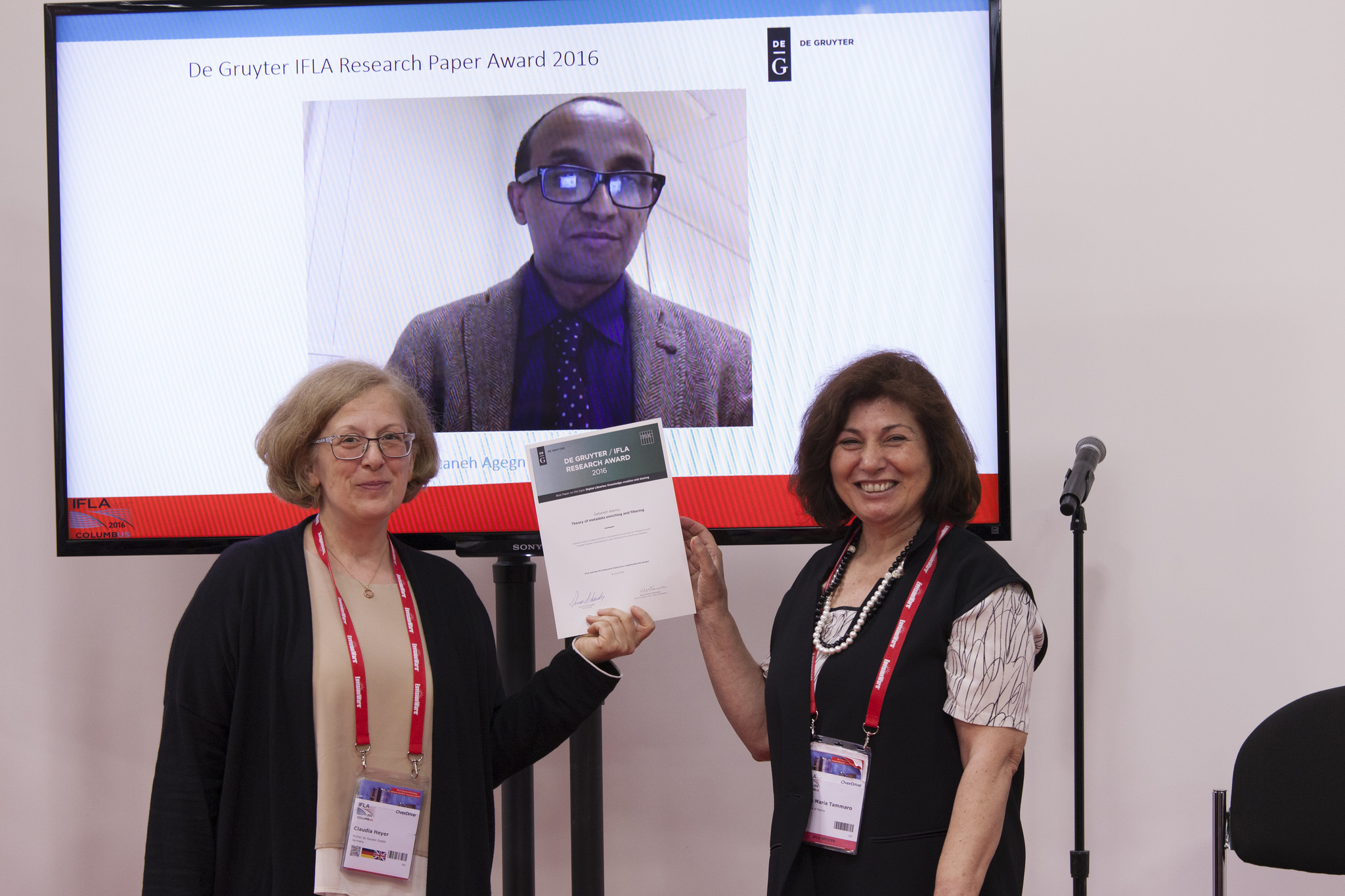 IFLA Awards Session: De Gruyter / IFLA Research Award 2016, August 16, 2016   © Courtesy of Kirstin Krumsee/The International Federation of Library Associations and Institutions (IFLA)/Flickr.