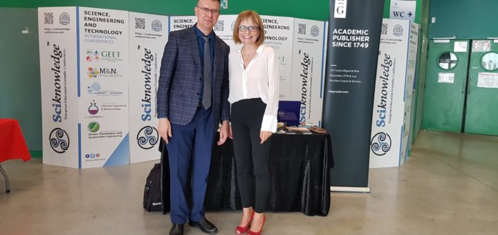 Prof. Mario Monzón Verona, President of the Organizing Committee, and Ewa Chmielewska, De Gruyter, 19th International Conference on Materials and Nanomaterials (MNs-19), Paris, France, July 18, 2019 | © Courtesy of Ewa Chmielewska and Paula Leśna Szreter/De Gruyter.