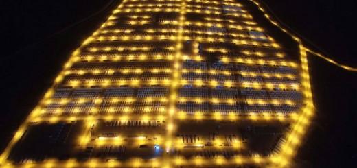 Camp de réfugiés de Suruç avec ses illuminations nocturnes. © compte Facebook du camp de réfugiés de Suruç