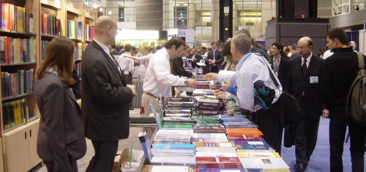 Journal sales, November 30, 2006 | © Courtesy of HeatherLWilliams/Flickr.