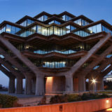 Night View of the Geisel Library, University of California, San Diego, CA, USA, March 21, 2014 | © Courtesy of O Palsson/Flickr.