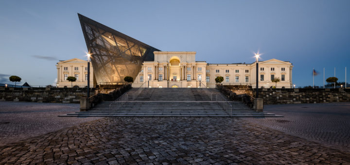 Dresden's Military History Museum, 2011, Daniel Libeskind, Dresden, Germany, November 9, 2013   © Courtesy of Maciek Lulko/Flickr.
