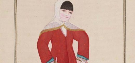 Femme turque allant par les rues